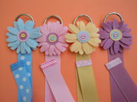 Felt Button Daisy Clippie Holder - SELECT A COLOR
