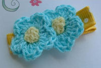 DOUBLE Crochet Flower Hair Clip - Turquoise Yellow Center on Dots