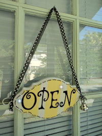 Boutique Sign - French Pro Style - OPEN & CLOSED Yellow STRIPES