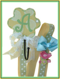 Flower Hook - Yellow & Green