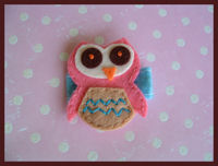 FELT CLIP - OWL - Pink on BLUE felt