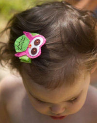 FELT CLIP - OWL - Pink on GREEN felt