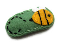 Sundrop Collection - Bumble Bee on Green