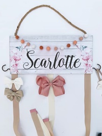 Hair Bow Holder - w/GARLAND - Scarlotte